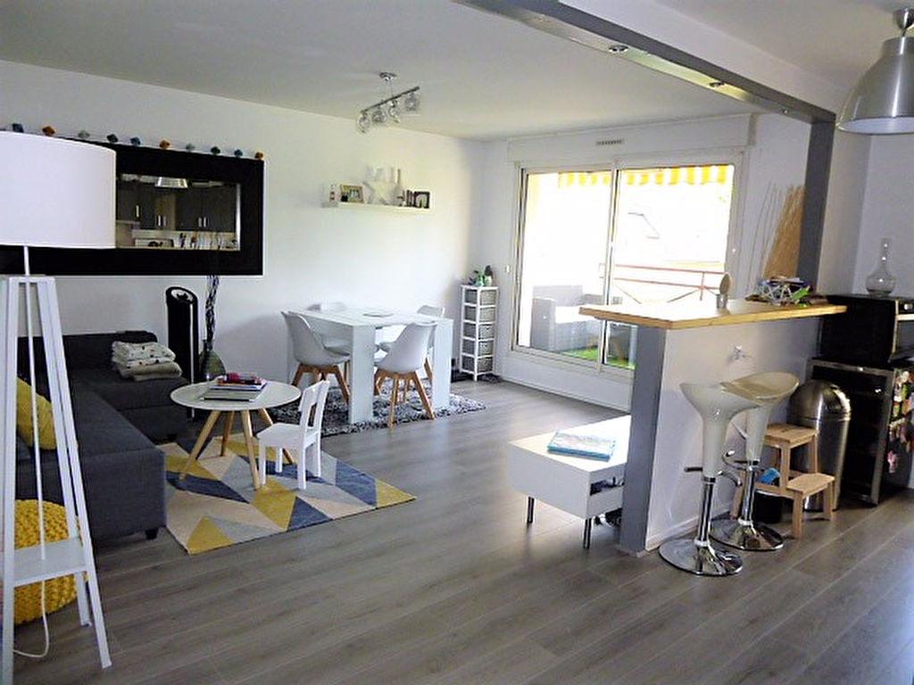 RAMBOUILLET -  HYPER CENTRE - 3 PIÈCES - 64 m²